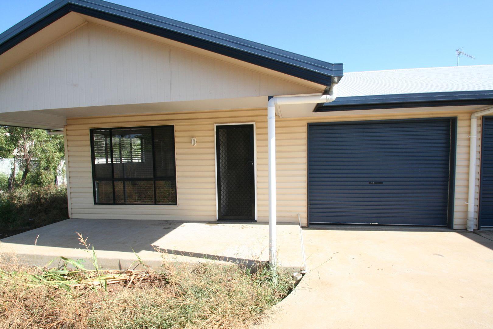 4/6 Burn Street, Capella QLD 4723, Image 0