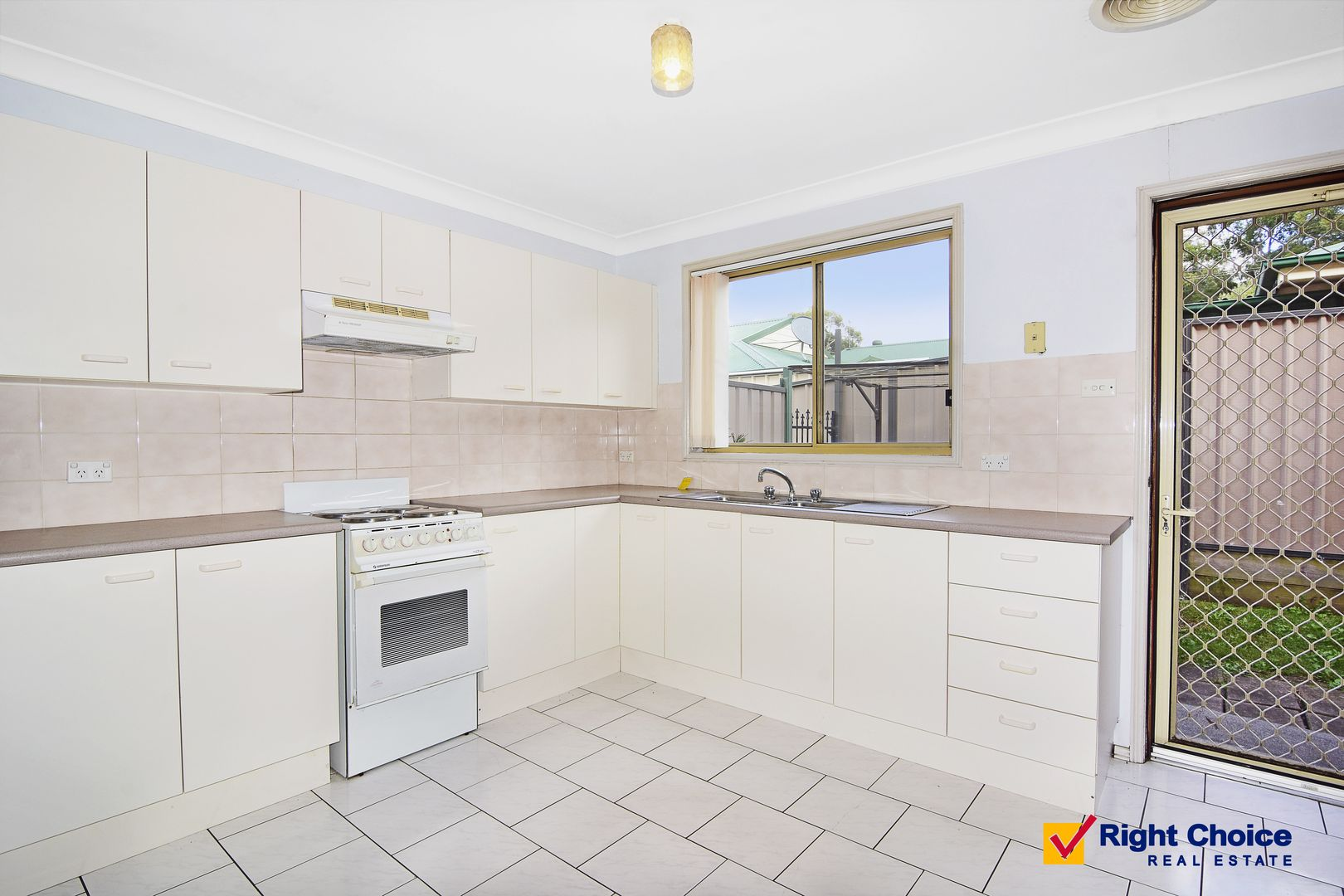 4/34 Mayfield Circuit, Albion Park NSW 2527, Image 2