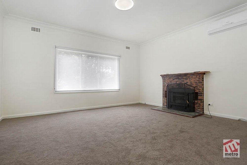 23 Rosedale Crescent, Ringwood East VIC 3135, Image 2