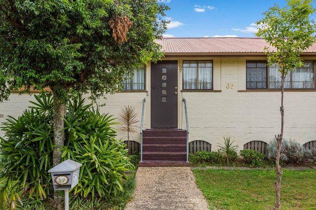 37 Harrington Street, Darra QLD 4076, Image 2