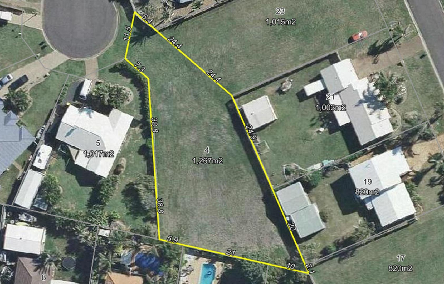 4 Blake Close, Coral Cove QLD 4670, Image 1