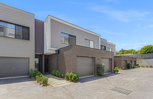 Picture of 5 Demartini Close, Mooroolbark VIC 3138