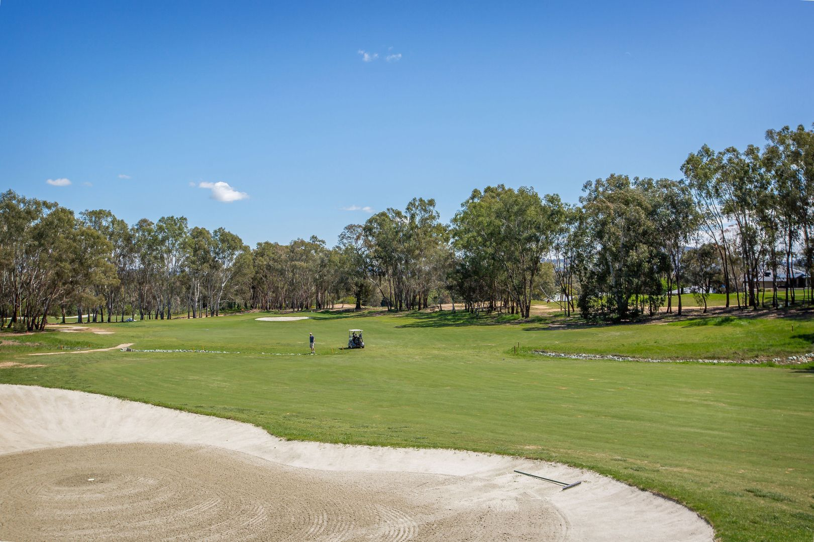 214 Pickworth Court, Thurgoona NSW 2640, Image 2