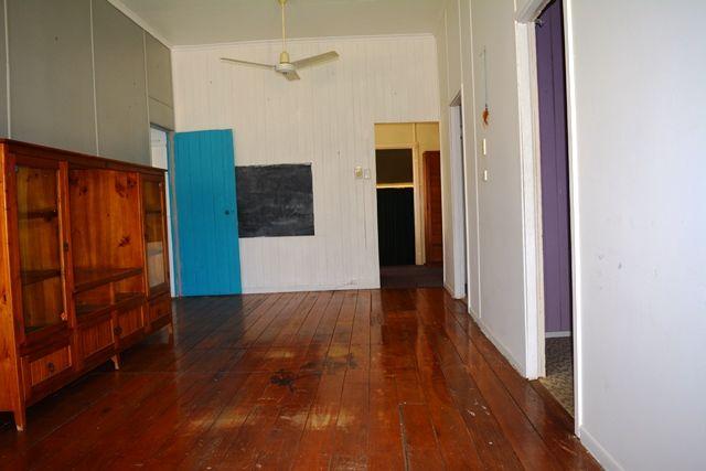 8 Acacia Street, Blackall QLD 4472, Image 2