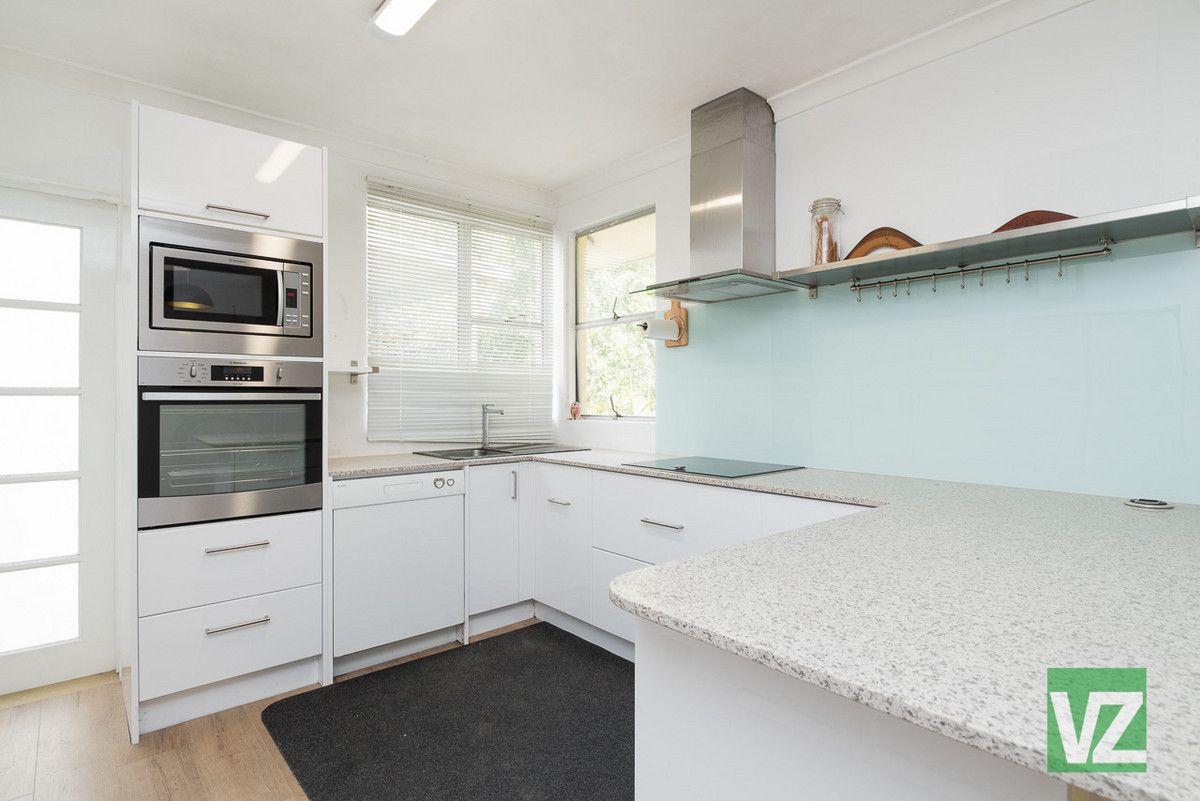 910 South Pine Road, Everton Park QLD 4053, Image 2