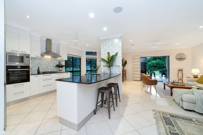 Picture of 2/8 Palm Street, ROWES BAY QLD 4810