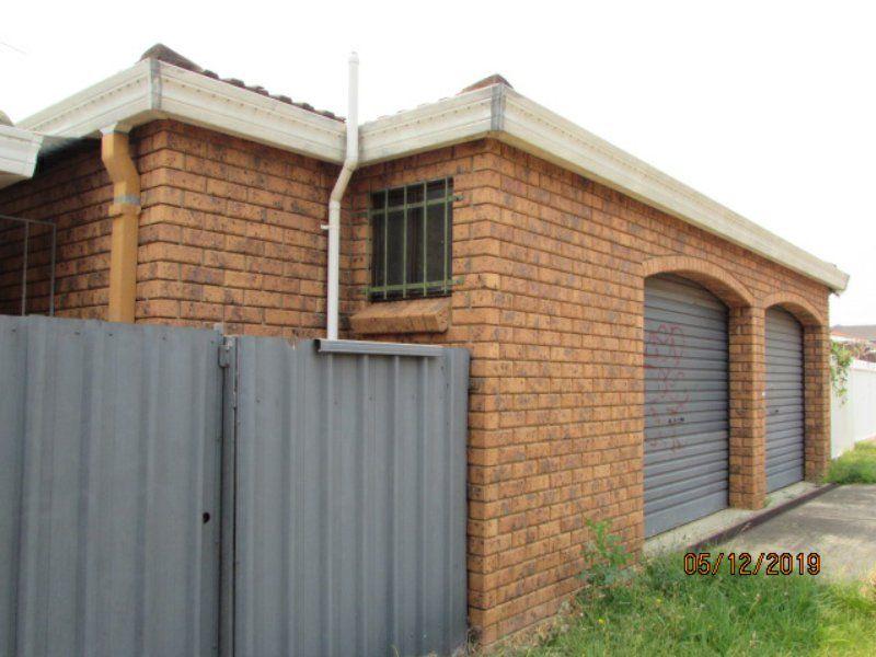 216 St Johns Road, Bradbury NSW 2560, Image 2