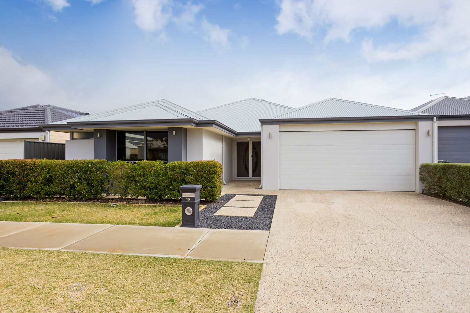 16 Flindell Way, Piara Waters WA 6112, Image 2