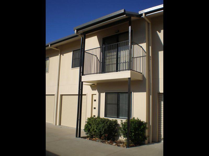2/34 Poole Street, Bowen QLD 4805, Image 2