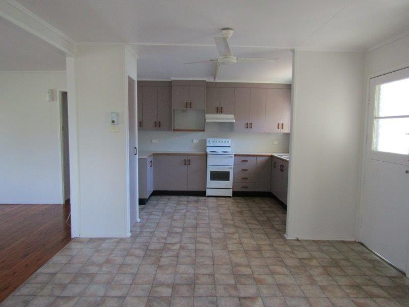 61 Bendee Crescent, Blackwater QLD 4717, Image 0