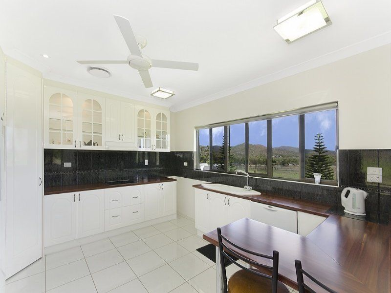 348 Valley Drive, Oak Valley QLD 4811, Image 1