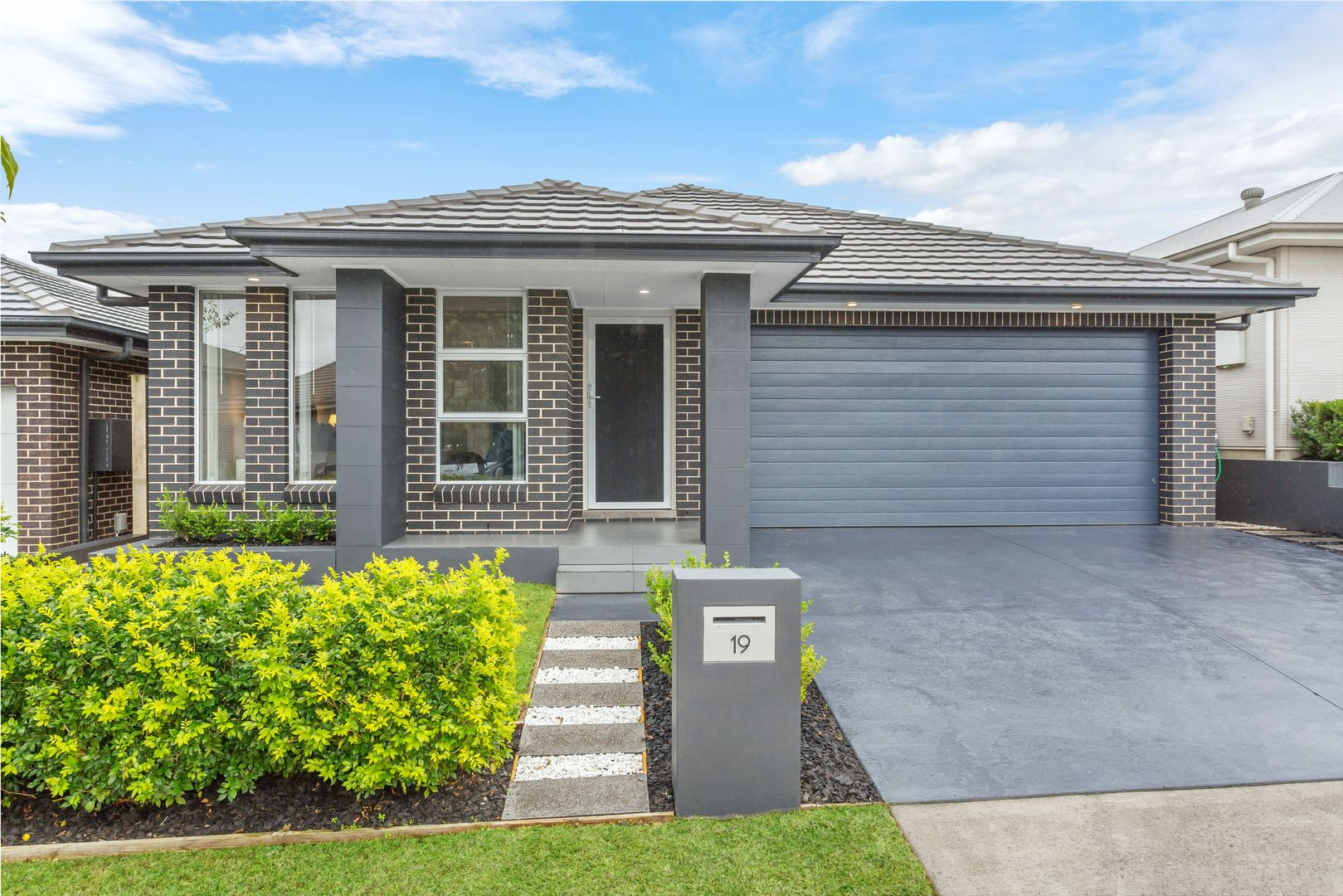 19 Downing Way, Gledswood Hills NSW 2557, Image 1