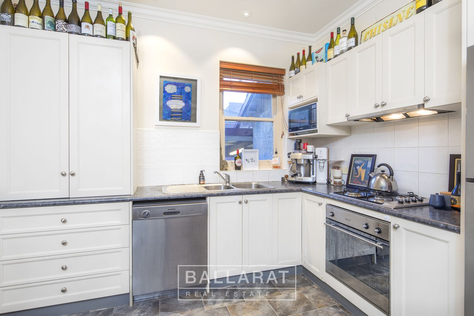 707 Neill Street, Soldiers Hill VIC 3350, Image 2