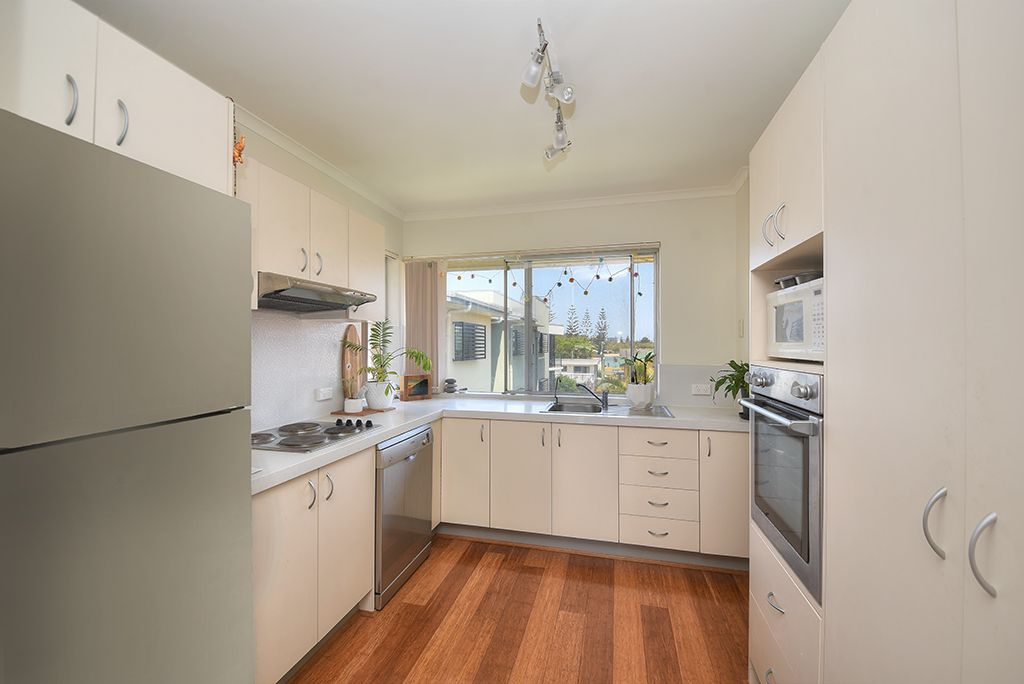 11/18 Ikkina Road, Burleigh Heads QLD 4220, Image 2