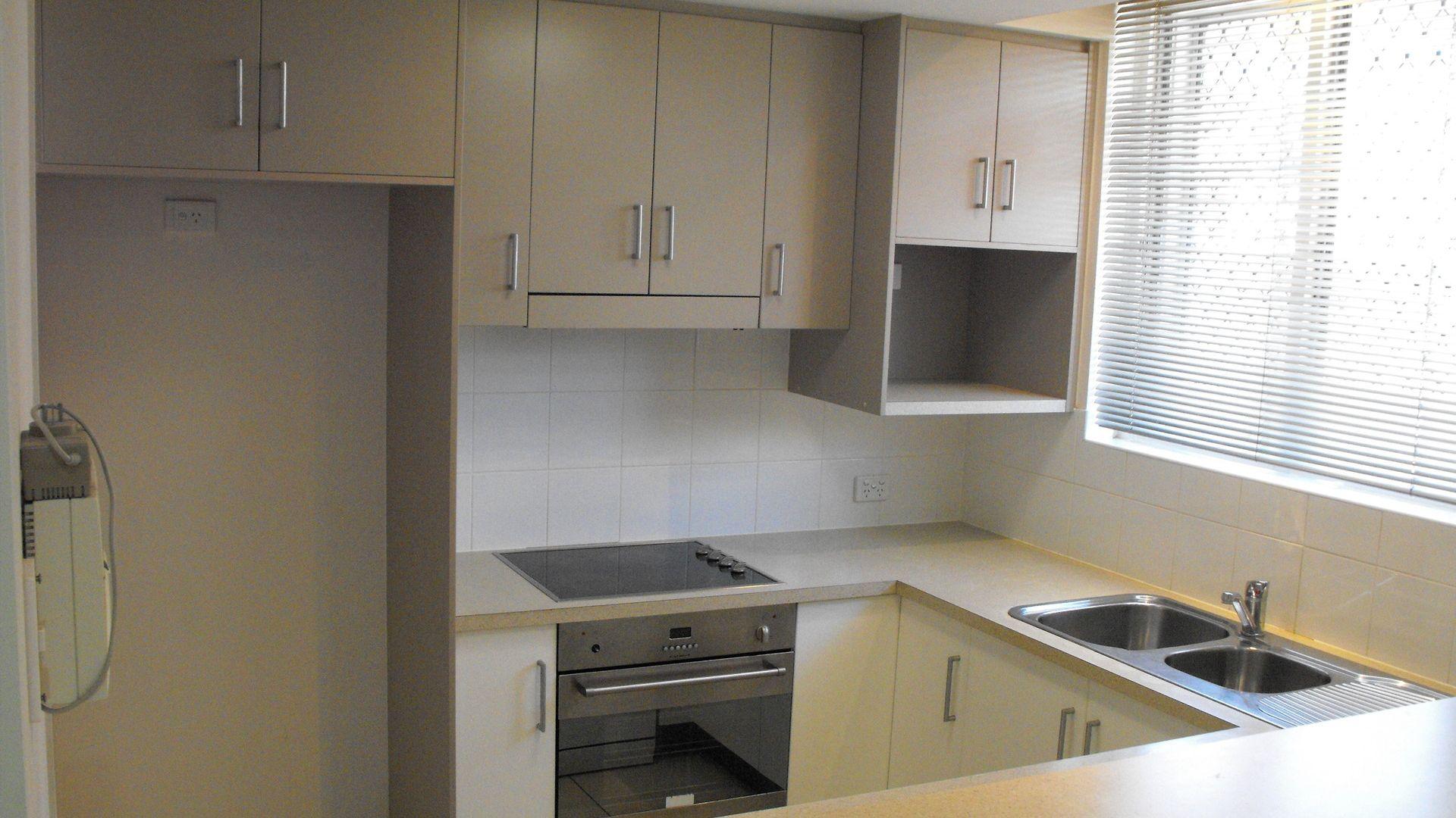 1/5 Cook Street, North Ward QLD 4810, Image 2