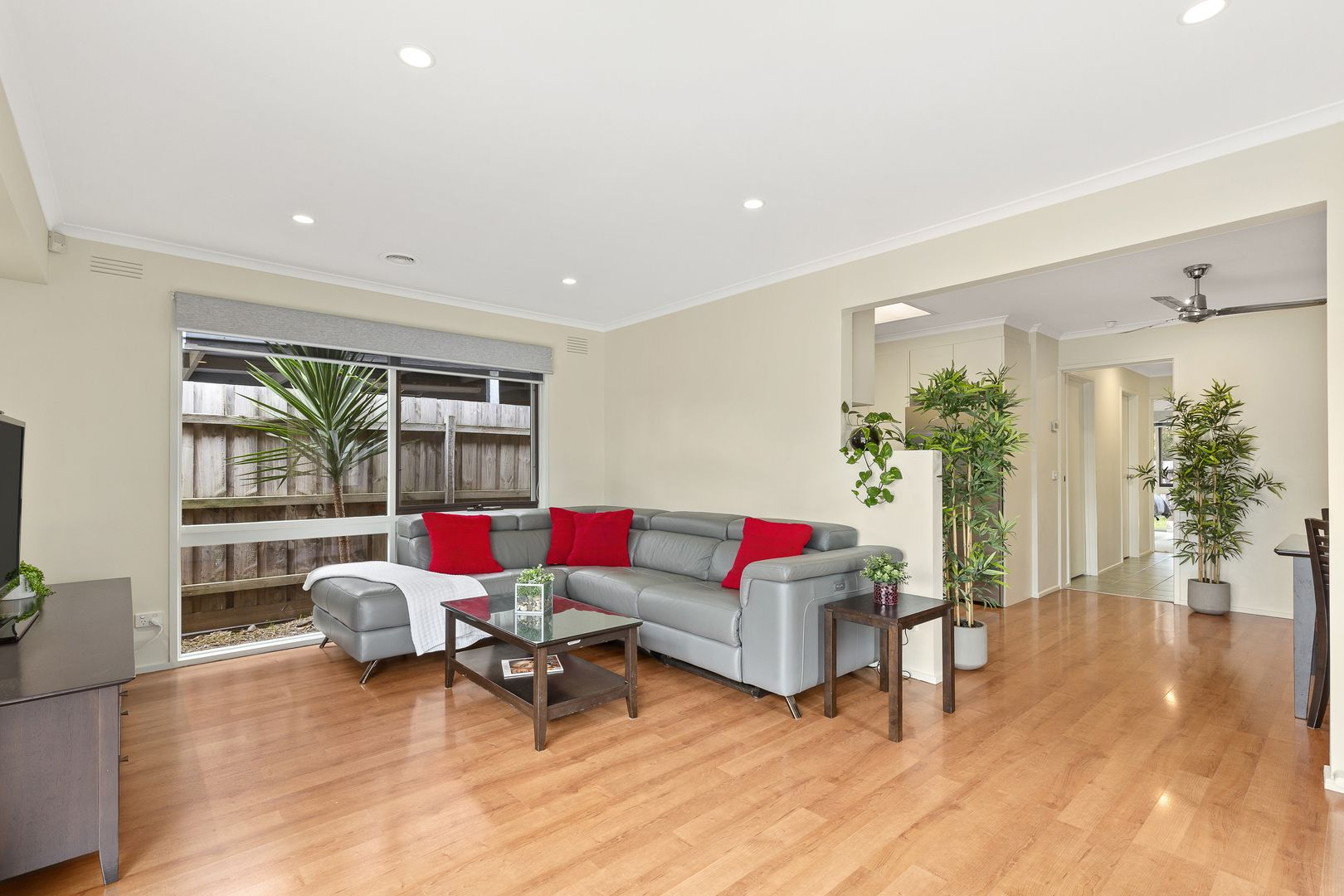 2 Greenglade Court, Epping VIC 3076, Image 2