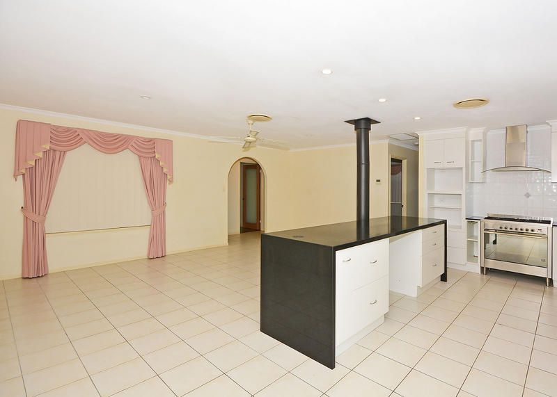 8 Abbey Ct, Kawungan QLD 4655, Image 2