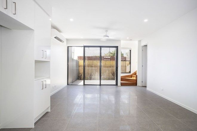 Picture of 8/28 Hinley Avenue, MAROOCHYDORE QLD 4558