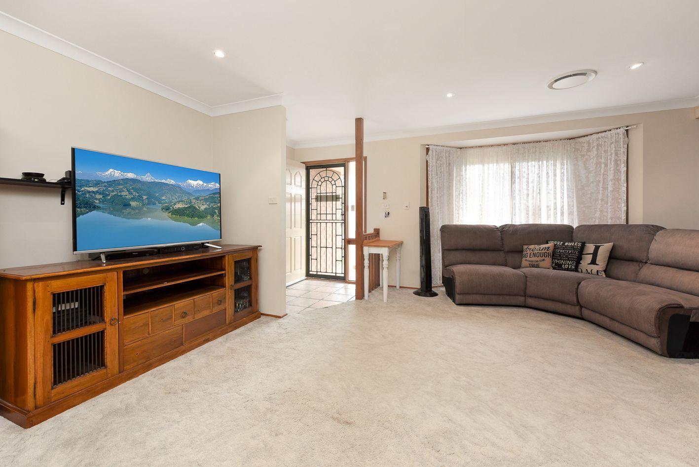 5 Dorcas Place, Rosemeadow NSW 2560, Image 1