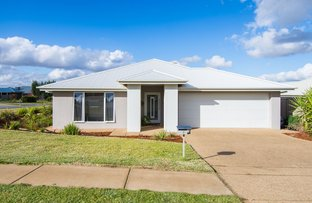 Picture of 52 Strickland Drive, Boorooma NSW 2650