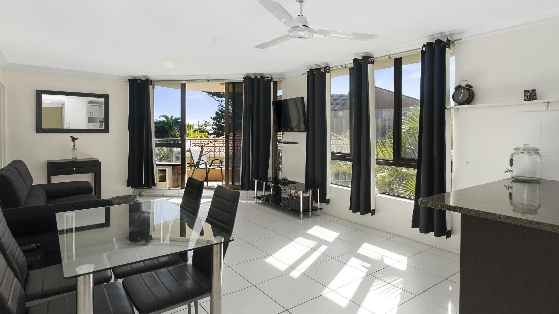 4/1187 Gold Coast Highway, Palm Beach QLD 4221, Image 2