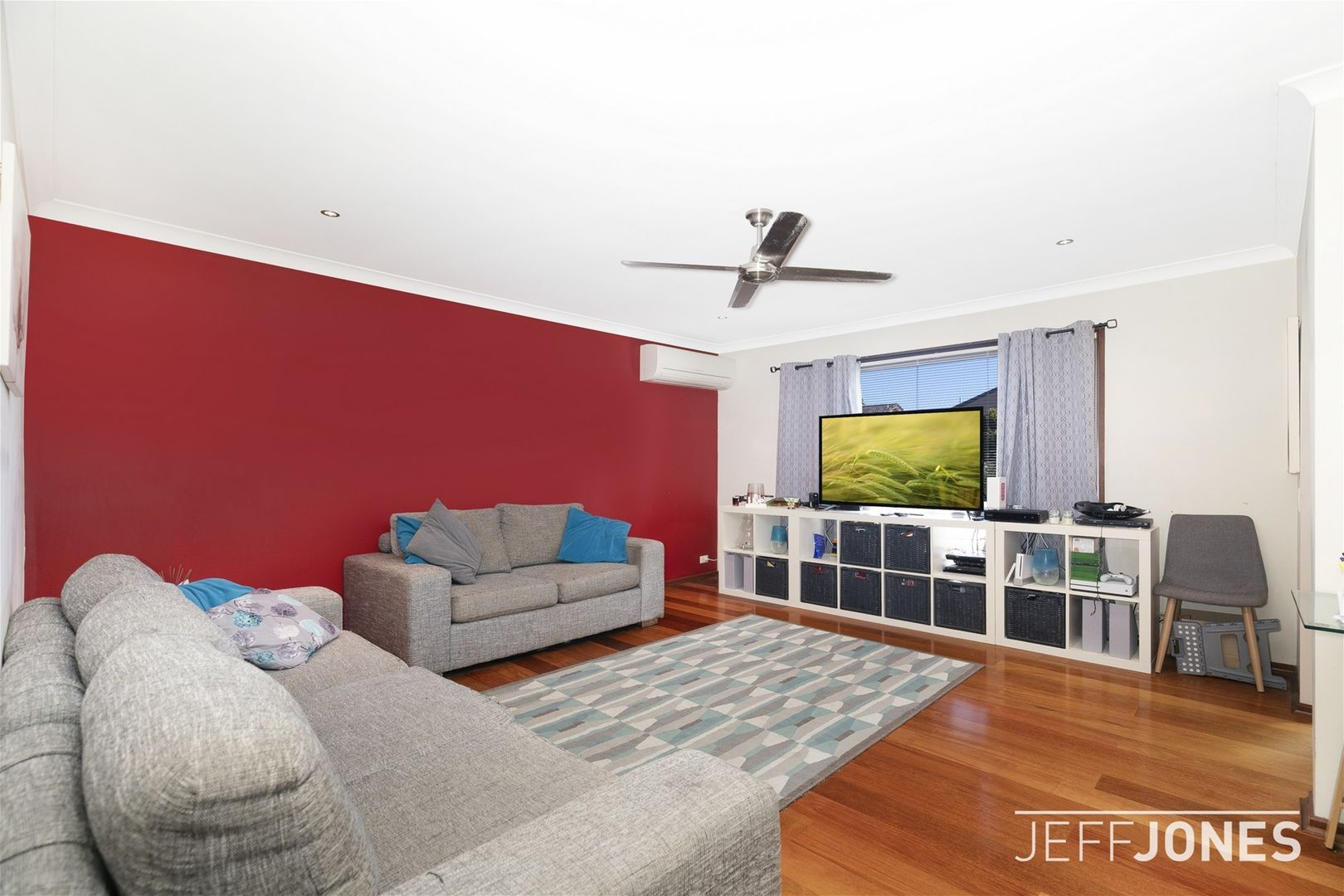 32 Bedivere Street, Carindale QLD 4152, Image 1