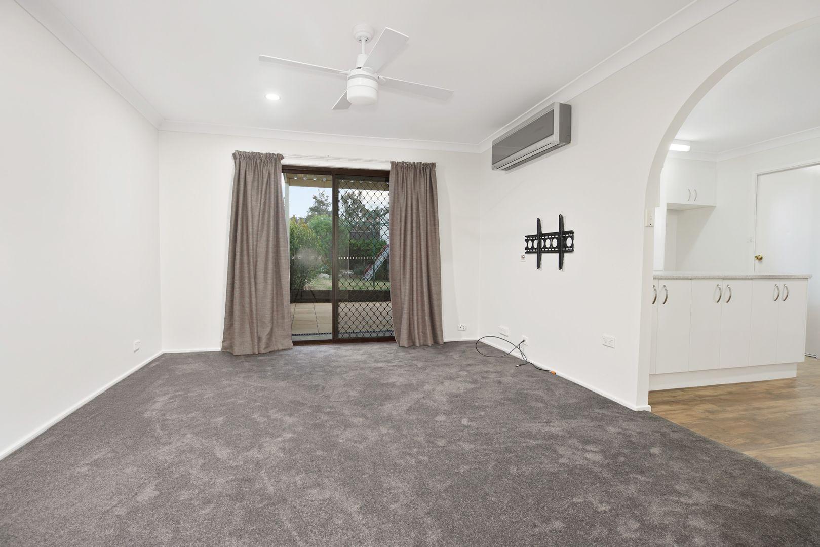 63 Rivendell Crescent, Werrington Downs NSW 2747, Image 2