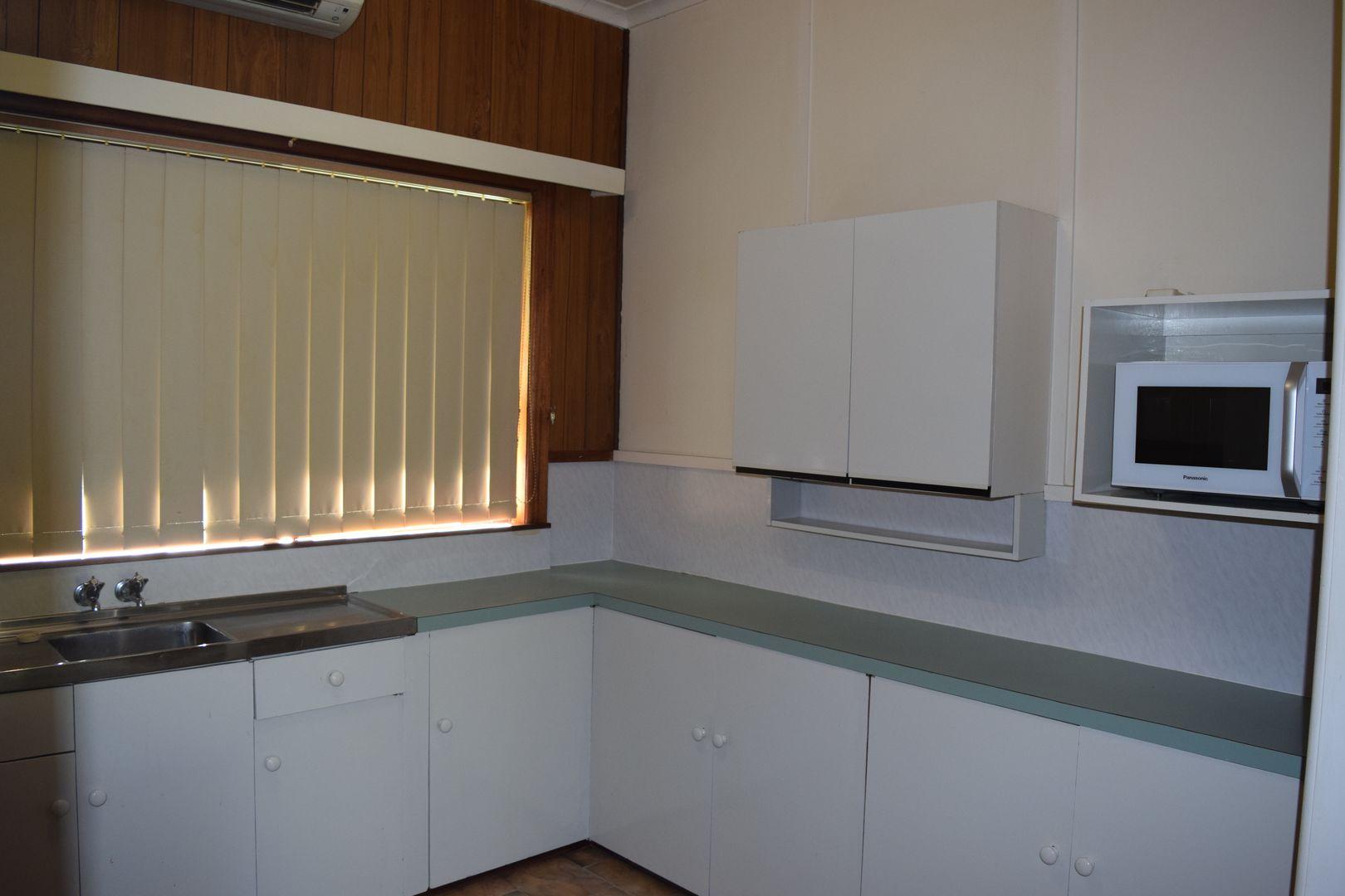 122 Ollera Street, Guyra NSW 2365, Image 2