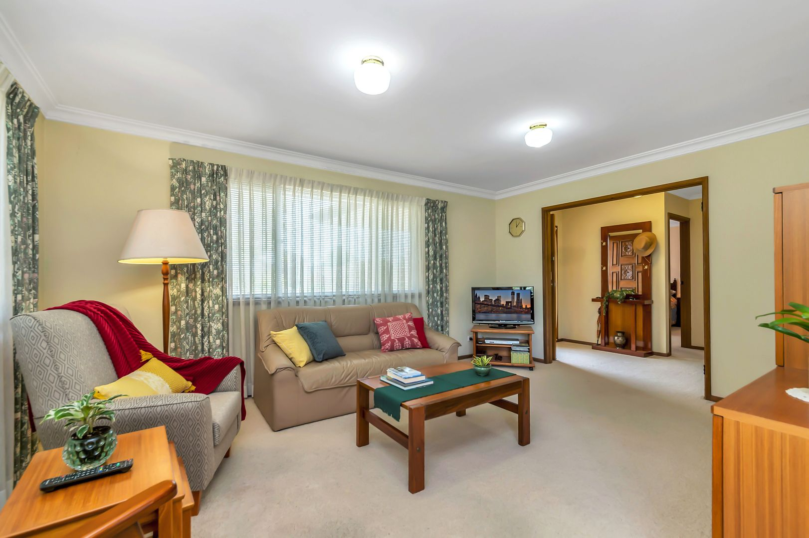 1 Hadow Place, Gilmore ACT 2905, Image 2
