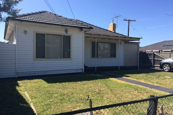 Picture of 2 Pennell Avenue, ST ALBANS VIC 3021