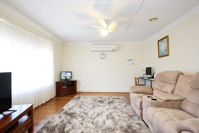 Picture of 10 Roseview Way, ST ALBANS PARK VIC 3219