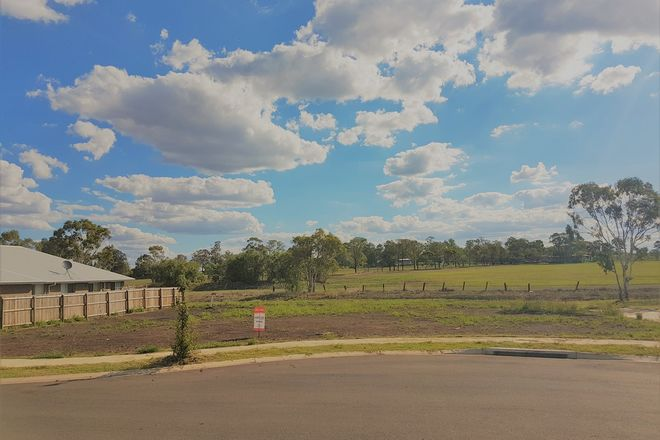 Picture of 12 Templeton Court, WESTBROOK QLD 4350