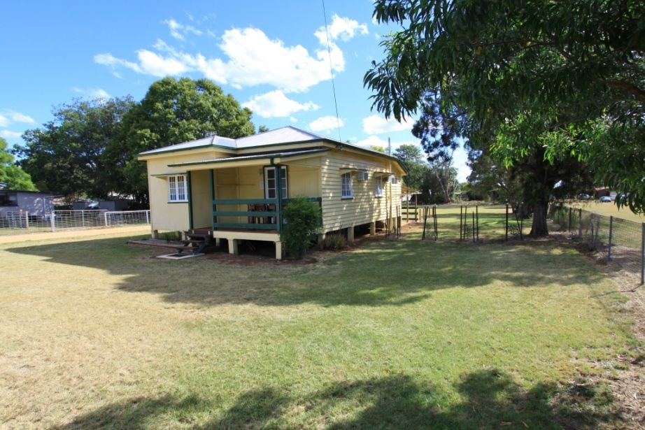 25 Hodge Street, Kingaroy QLD 4610, Image 9