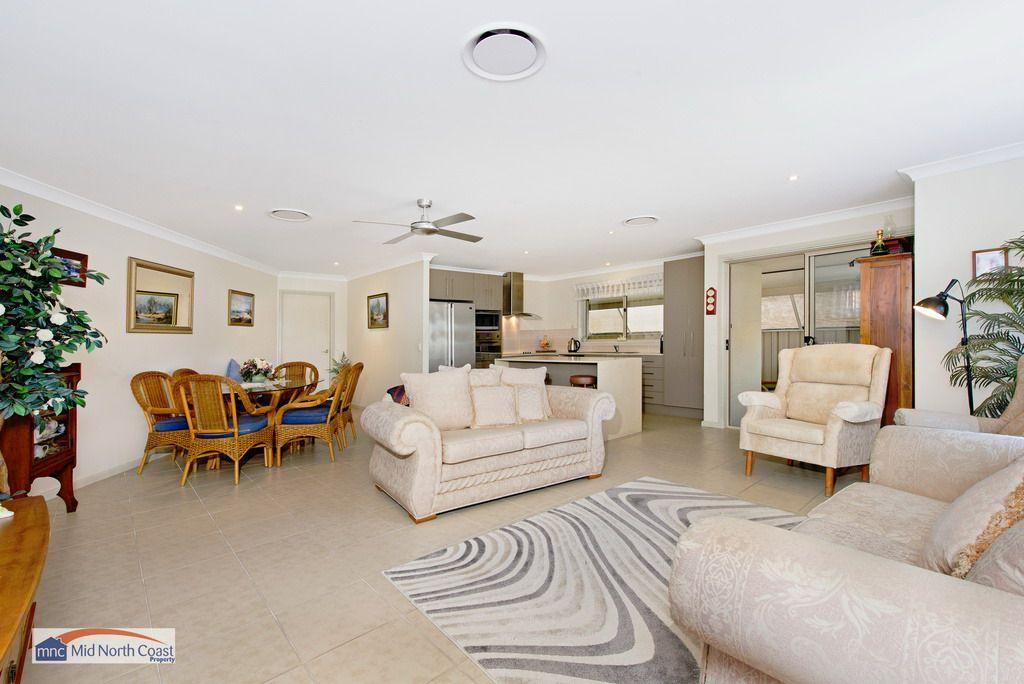 1/15 Eagle Place, Lake Cathie NSW 2445, Image 1