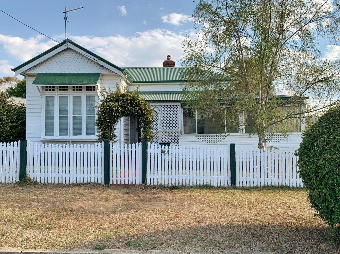 207 Lang Street, Glen Innes NSW 2370