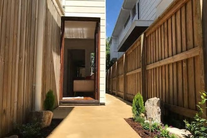 Picture of 33b Cedar Street, GREENSLOPES QLD 4120