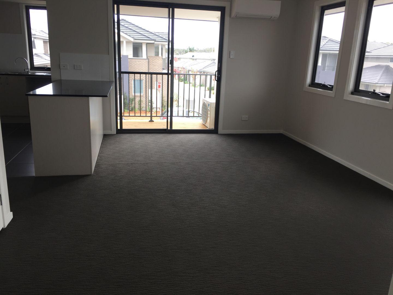 39a Empire Circuit, Penrith NSW 2750, Image 2
