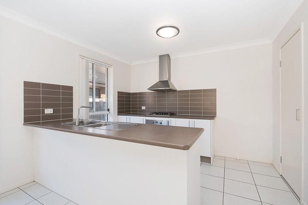86 Huntley Crescent, Redbank Plains QLD 4301, Image 2