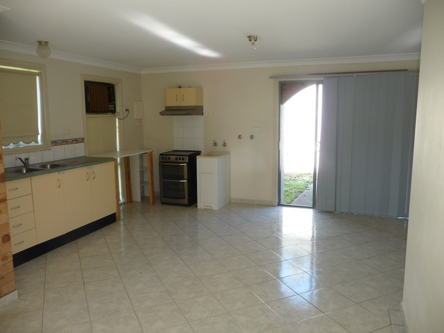 61 Canberra Street, Oxley Park NSW 2760, Image 2