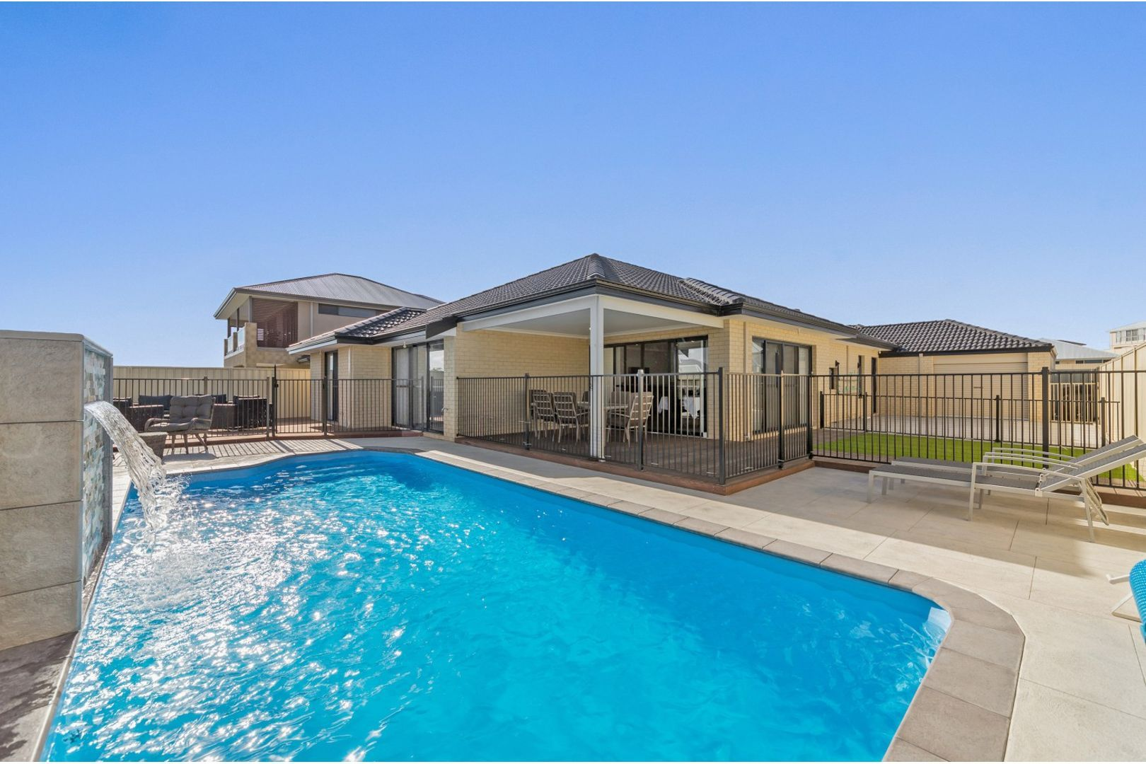 8 Hawley Way, Madora Bay WA 6210, Image 0