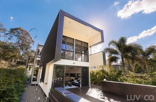 8 Howitt Street, Taringa QLD 4068