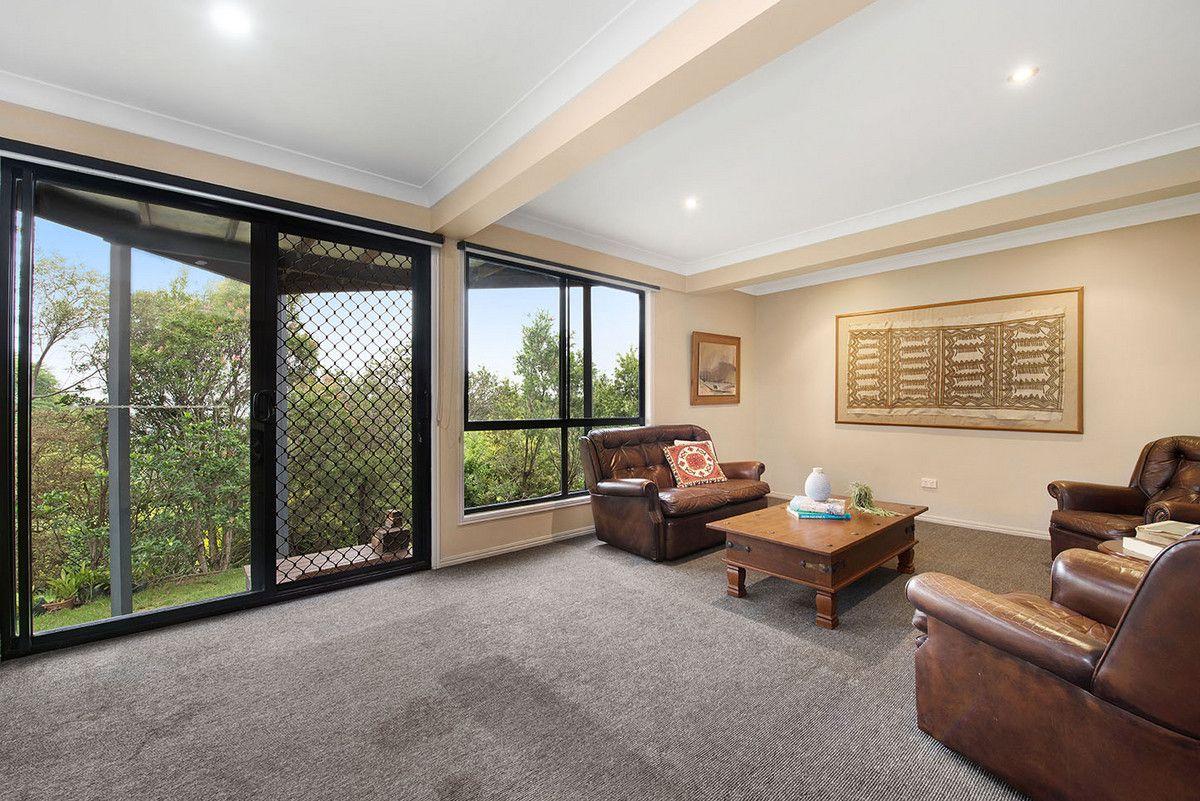 5 Huntingdale Court, Mount Lofty QLD 4350, Image 2