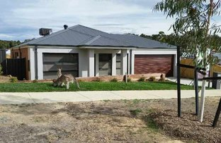 Picture of 10 Doyeswood Drive, Woodend VIC 3442