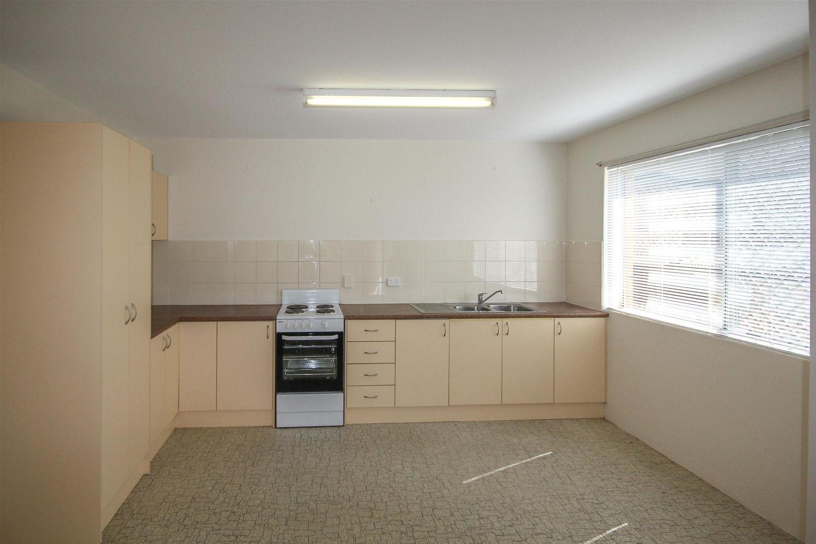 1/164 Juliette Street, Greenslopes QLD 4120, Image 2