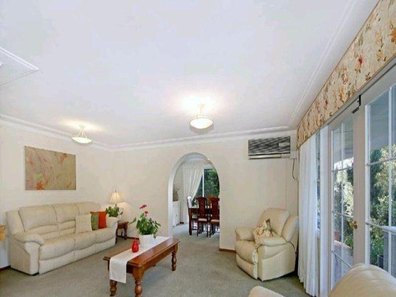 6 Lynstock Avenue, Castle Hill NSW 2154, Image 2