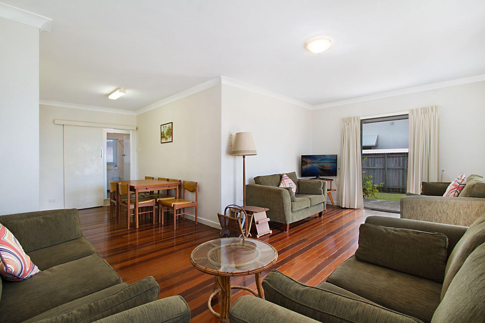 46 Hedges Avenue, Mermaid Beach QLD 4218, Image 2