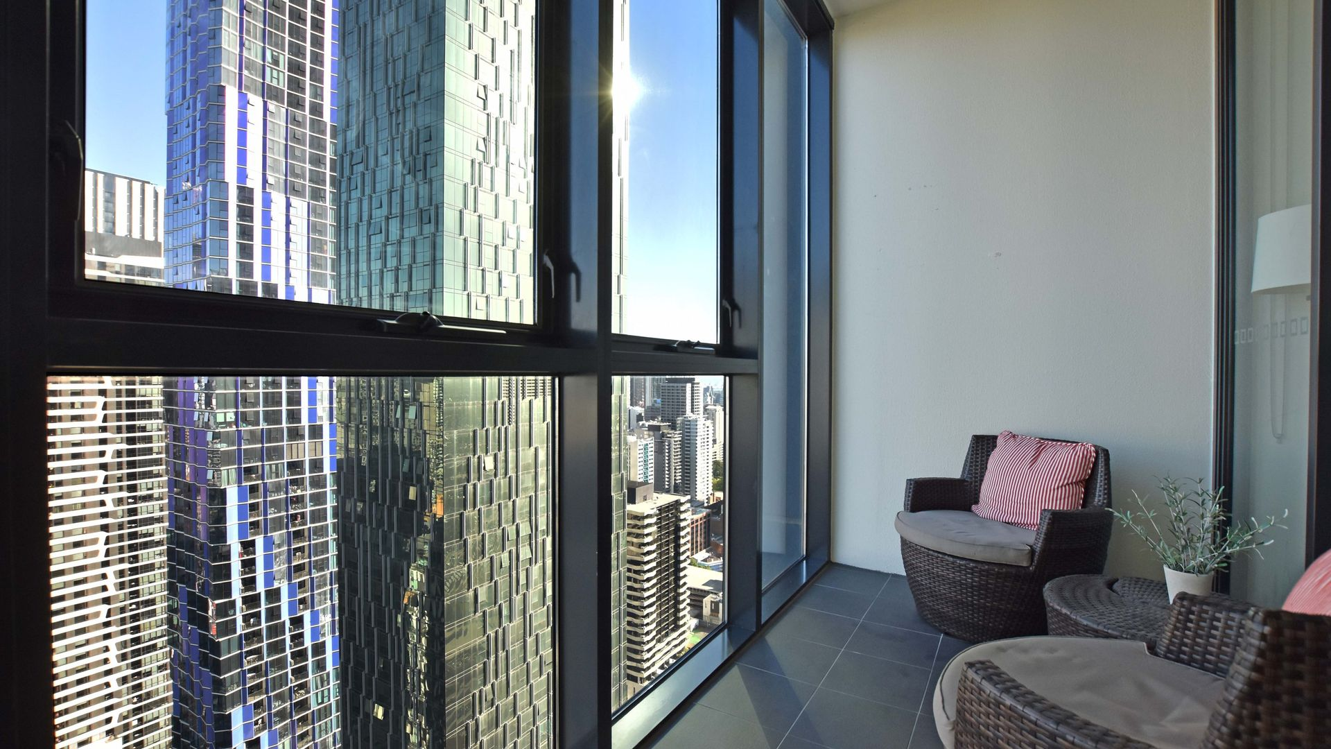 4107/27 Therry Street, Melbourne VIC 3000, Image 2