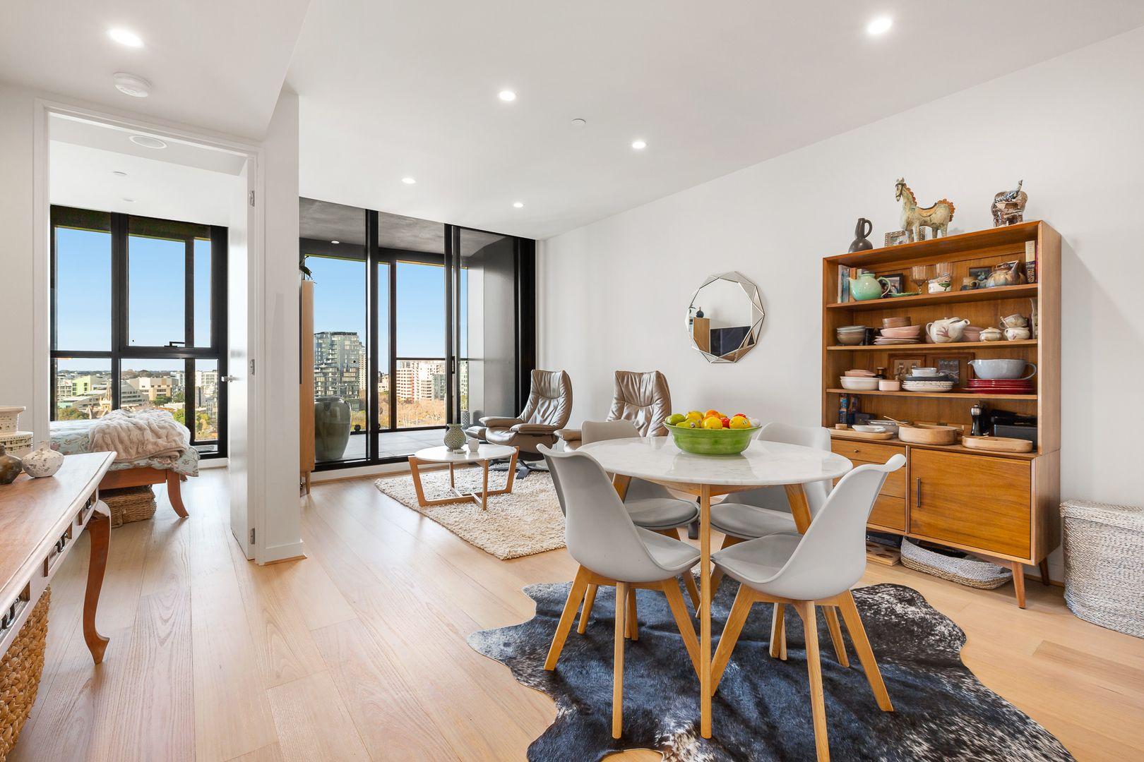 2 bedrooms Apartment / Unit / Flat in 1119/555 St Kilda Road MELBOURNE VIC, 3000