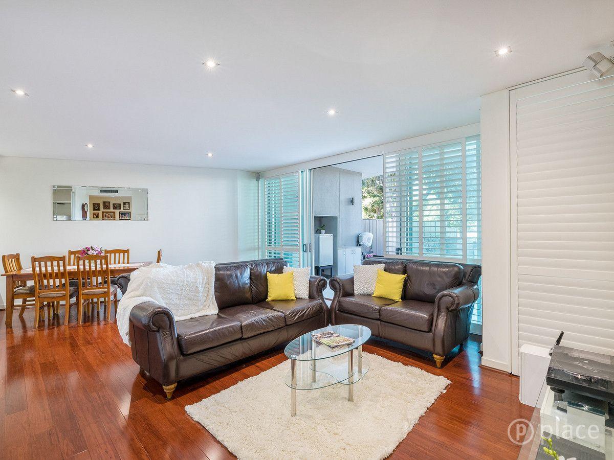2/205 Coronation Drive, Milton QLD 4064, Image 1