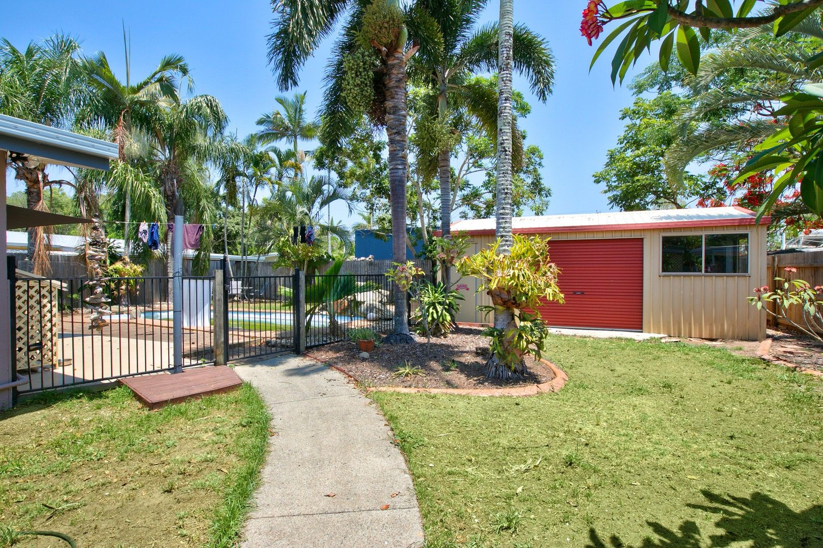 38 Magnolia Street, Holloways Beach QLD 4878, Image 2